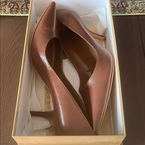BRAND NEW Sergio Rossi leather pumps - never worn!